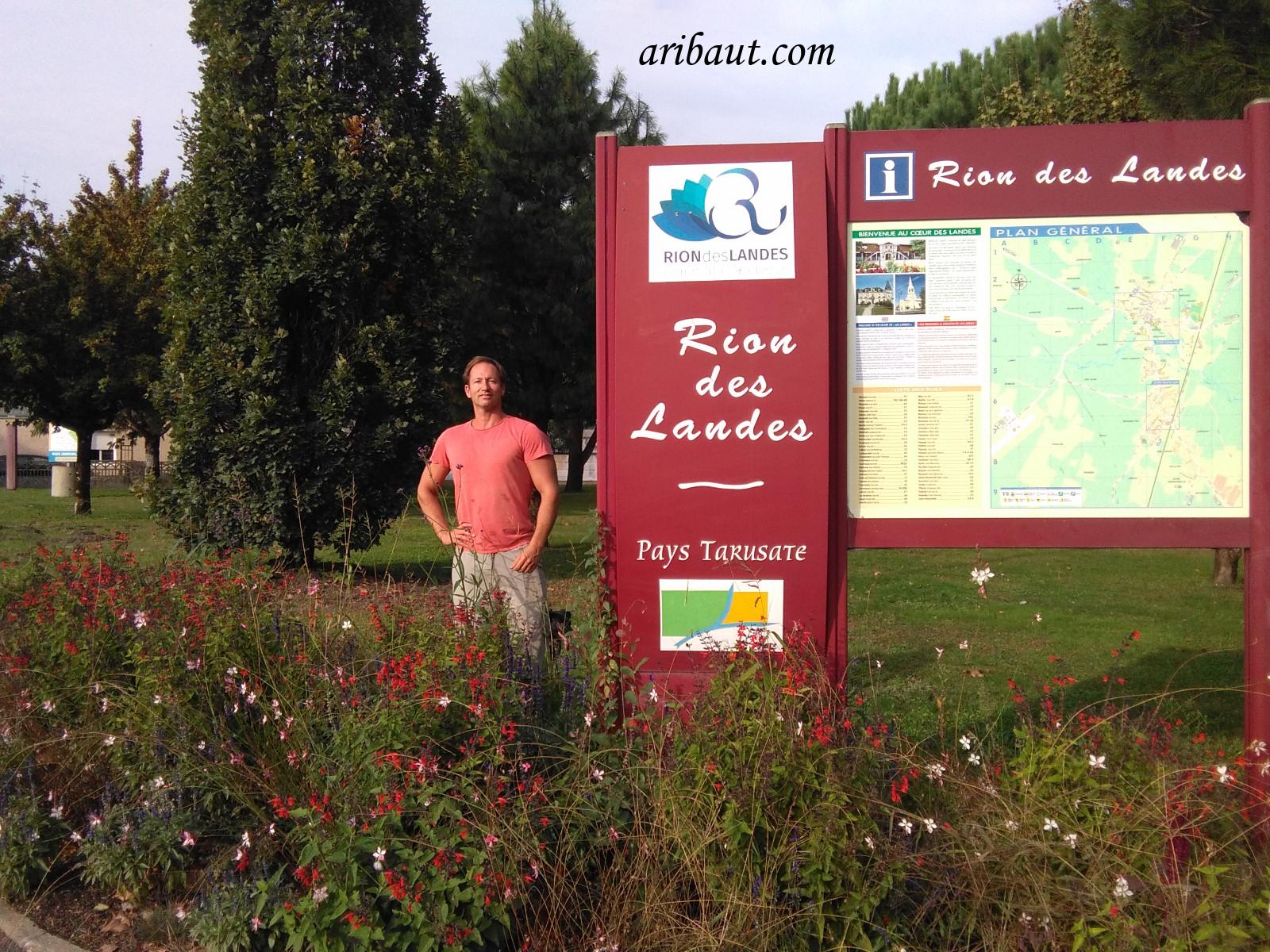 pierre-aribaut-zetrader-france-rion-des-landes-region-dax-landes-18-octobre-2018-panneau-ville.jpg