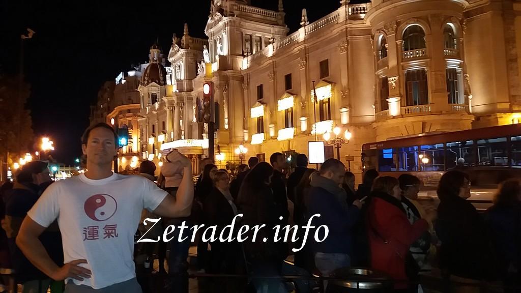 pierre-aribaut-zetrader-tee-shirt-joyeuses-fetes-reveillon-fin-annee-2017-valencia-espagne-9-decembre-2017-1.jpg